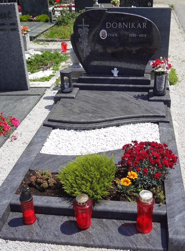 kamnosestvo-vodnik-nagrobniki.03