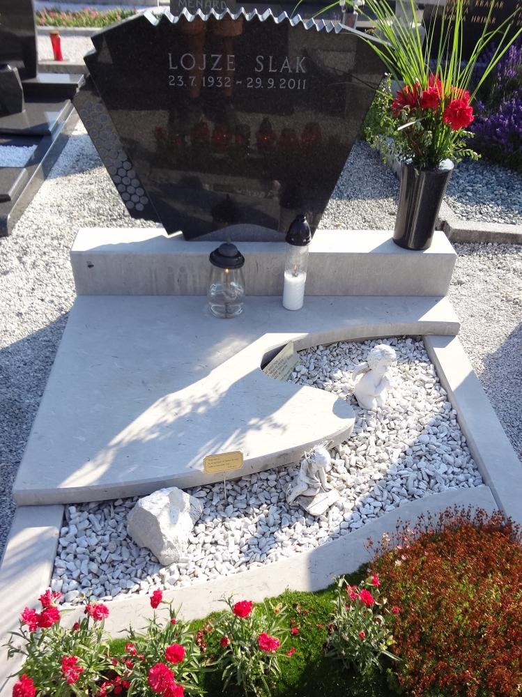 kamnosestvo-vodnik-nagrobniki.14