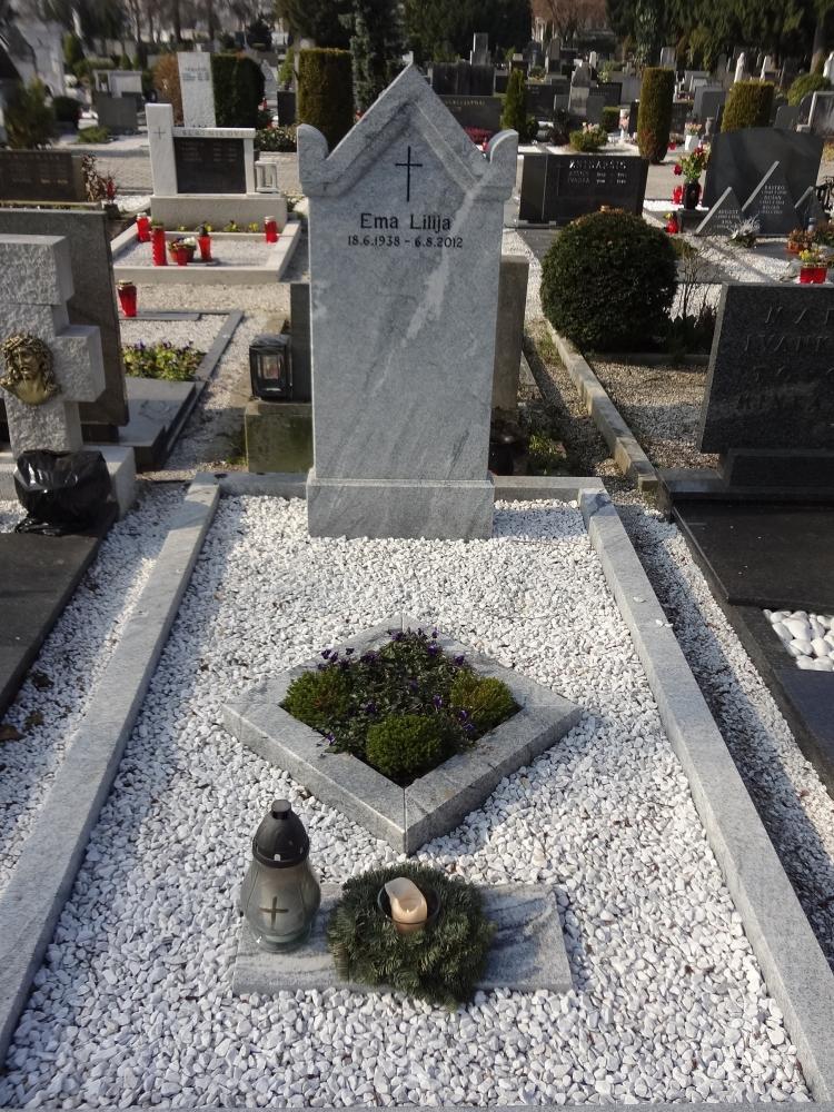 enojni nagrobni spomenik